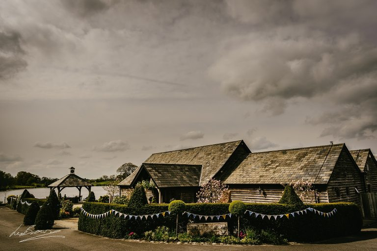 sandhole oak barn is a wedding venue in cheshire